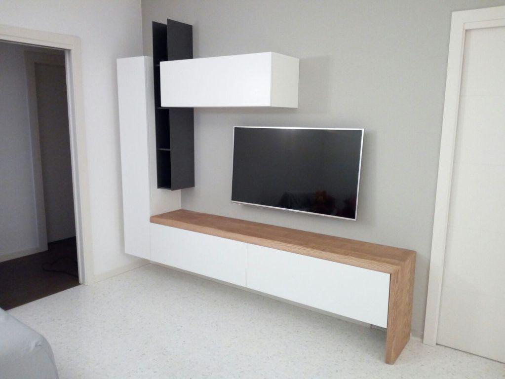 Parete attrezzata porta tv legno e laccato caretta design