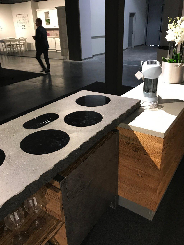 Cucina vintage con top in cemento -piani ad induzione filo ...