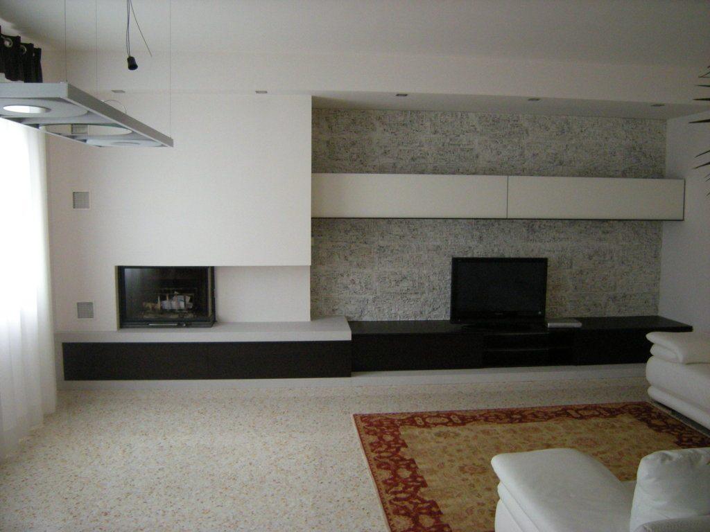 Parete attrezzata bicolore con porta tv e camino a muro new caretta design - Parete con camino ...